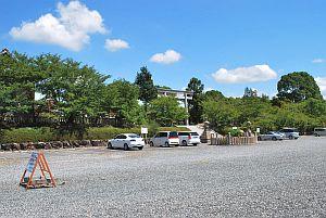 神戸神社駐車場.jpg
