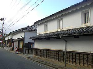 白壁の町家.jpg